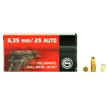 50 munitions Geco FMJ, calibre .25 auto (6.35 mm)